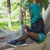 CAPUCHA ABIERTA realizada en tejido de pana verde super suave y el interior polar negro😍 Reversible, ajustable y multiposición capucha_cuello Disponibles en la tienda online www.quekuco.com   #capuchas #invierno #diasdelluvia #moda #handmade #hechoenespaña #hechoensevilla #modasostenible #modaunissex #complementos #gorros #lluvia #winter #modaoriginal #hoods #newcollection #design #modasostenible #reversible