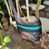 RIÑONERAS unisex de tamaño mediano... para que puedas llevar tus cosas imprescindibles y tener las manos libres !!!!  #riñoneras #handmade #complementos #compras #sevilla #design #hechoamano #hechoamanoconamor #urbanstyle