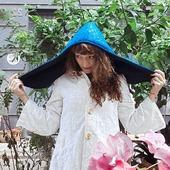 Capucha impermeable para estos días de lluvia que se avecinan.🌧🌧🌧🌧  #capuchas #invierno #diasdelluvia #moda #handmade #hechoenespaña #hechoensevilla #modasostenible #modaunissex #complementos #gorros #lluvia #winter #modaoriginal #hoods #newcollection #design